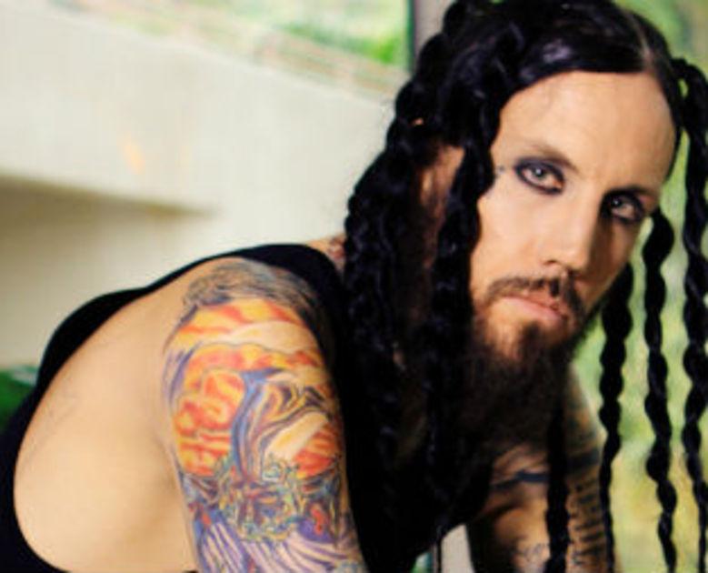 Гитарист группы Korn добрался снова до больницы Культуры
